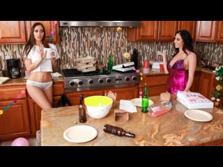 Pornomix / Ariella Ferrera, Desiree Dulce - Cleaning, Feet, Fetish,  Squirt,Pussy Licking  Lesbians Latina, Brunette Athletic