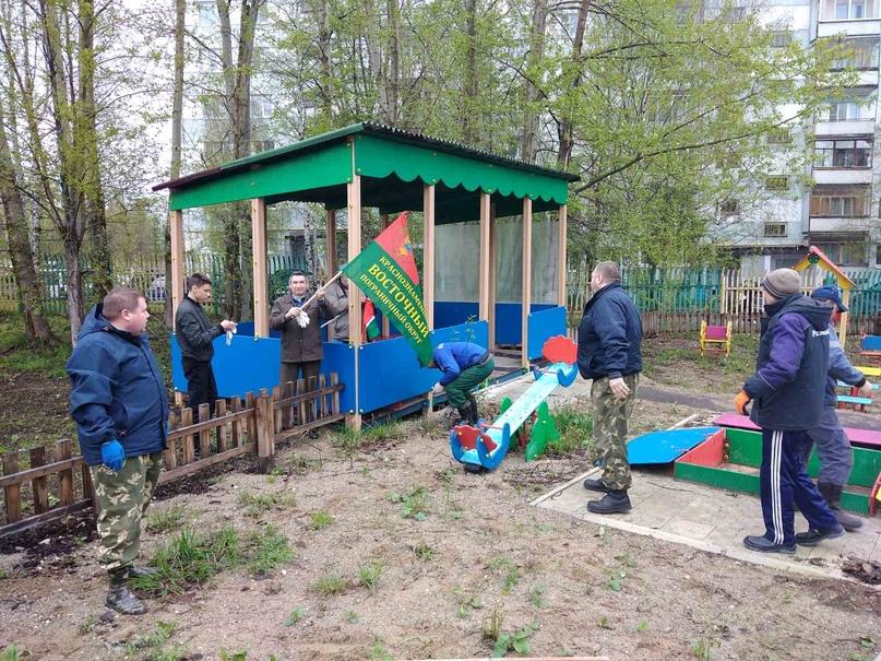 Пограничники Ухты провели субботник, изображение №1
