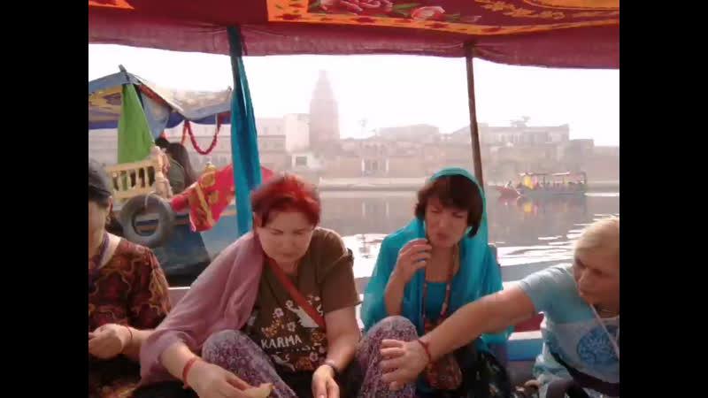 На лодках по Ямуне
