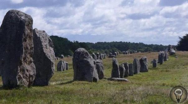 Мегалиты. Кто, когда и зачем воздвиг их на Земле Почти по всему свету разбросаны постройки из огромных каменных глыб и плит, называемых мегалитами. Их обнаружили в Юго-Восточной Азии, Индии,