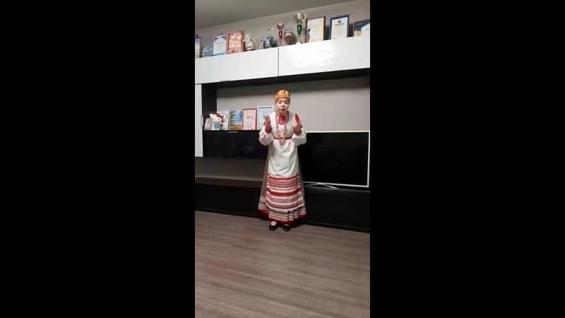 Туйка Милена Рассыпала Маланья бобы русская народная песня