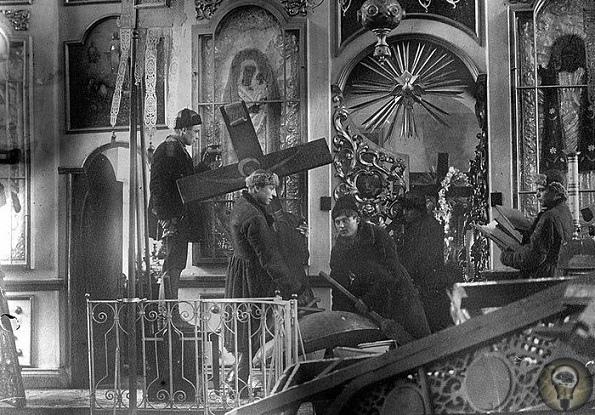 Что удивило большевиков при вскрытии могил православных святых.