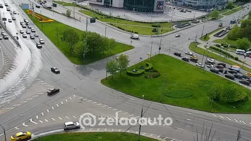 Момент столкновения BMW и Chevrolet Lanos видео из сообщества ЗелАО AUTO Зеленоград