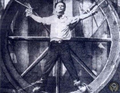 Великие глупости великих людей 10 место: Астроном XVI века Тихо Браге, чьи исследования помогли сэру Исааку Ньютону создать теорию всемирного тяготения, безвременно простился с жизнью из-за