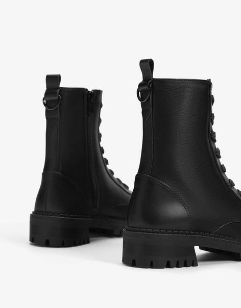 Кожаные ботинки на низком каблуке с теплой подкладкой