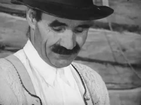 Mahlen in einer bäuerlichen Mühle - Stummfilm Grinding in a Rural Mill - No audio
