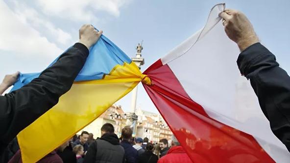 Владелица польской фирмы выбросила умирающего украинца на улицу