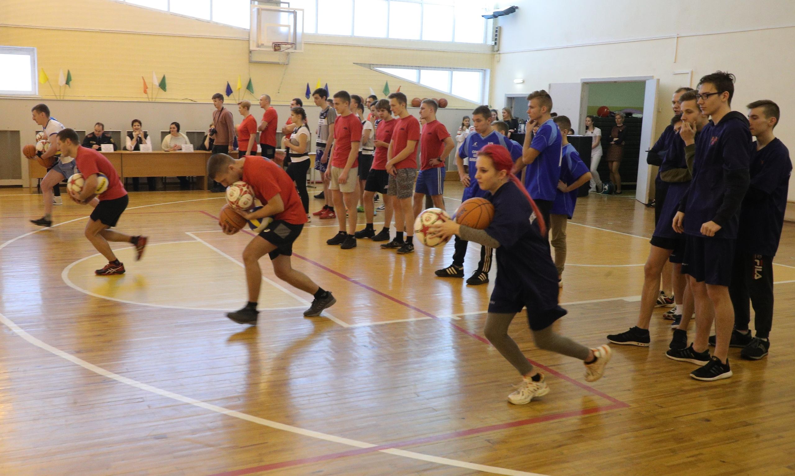 В средней школе № 46 прошли открытые соревнования для подростков «Нас объединяет спорт!»