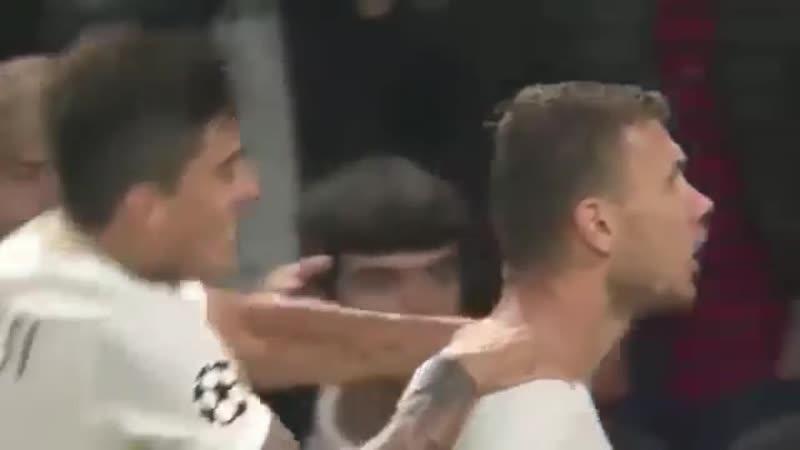 Эдин Джеко (Рома) - голешник в ворота Челси (лига чемпионов 2017 год)