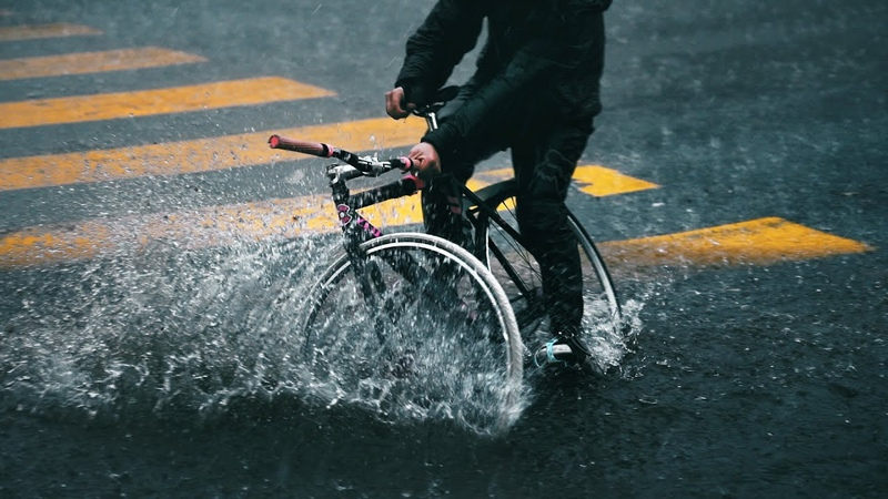 How to Ride Your Bike In The Rain - Fixed Gear Edition