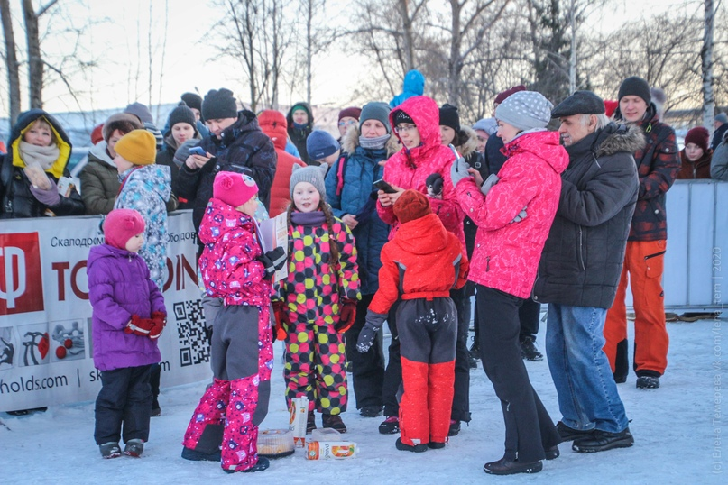 Главные отечественные ледолазные старты сезона финишировали в городе Кирове в минувшие выходные – чемпионат и первенство России по альпинизму. Всем было что доказывать и что терять…, изображение №93