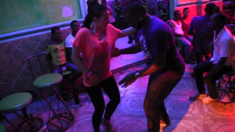 Dasha Elizarova and Joauri dancing bachata in Barahona