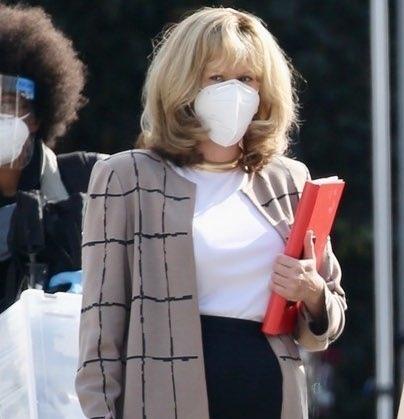 Неузнаваемая Сара Полсон на съемках третьего сезона «Американской истории преступления»