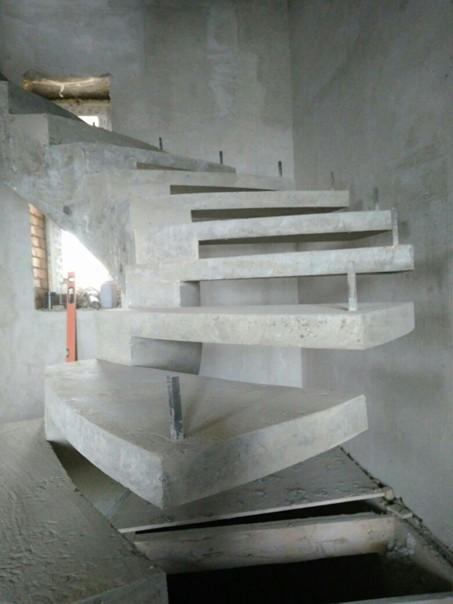 ????От нашегоподписчика. Оцените????  Бетонная лестница в процессе изготовления! #работаучастника@my.stroyka