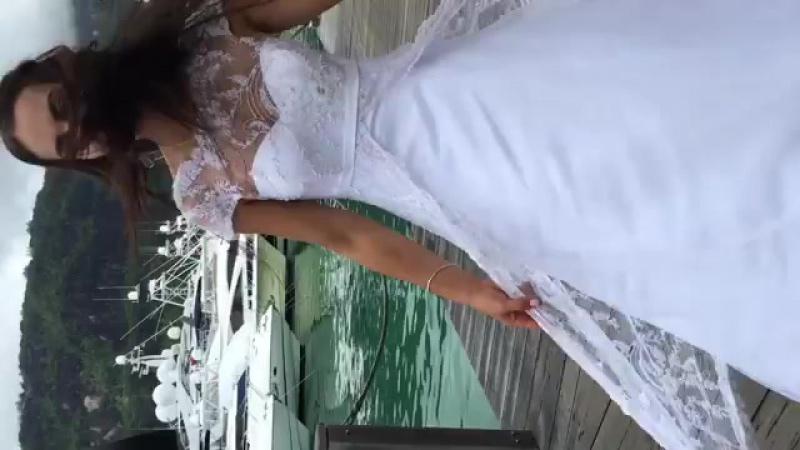 Алиса Огородова в свадебном платье