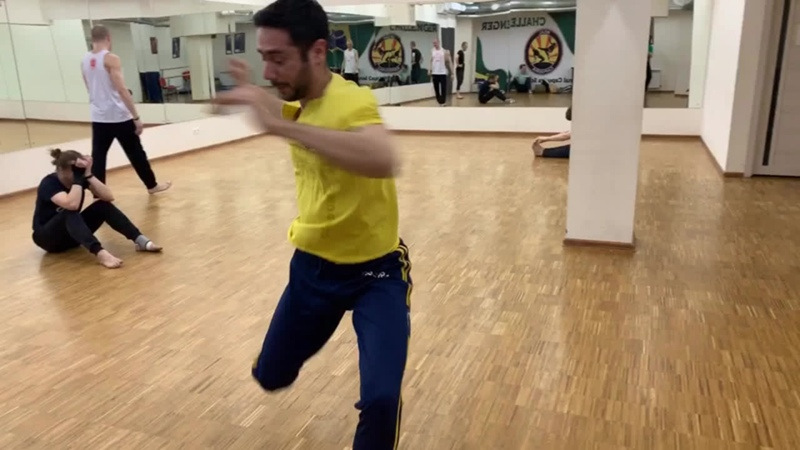 Professor Pirulito warm up moviments