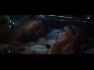 Elisa Visari, Elena Cucci, Carolina Crescentini Nude - A casa tutti bene (There Is No Place Like Home, 2018) 1080p Watch Online