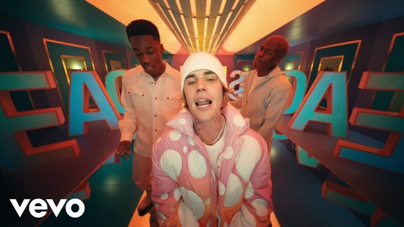 Justin Bieber - Peaches ft. Daniel Caesar, Giveon Джастин Бибер