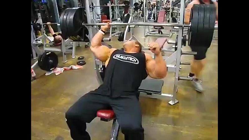 Jay Cutler Chest training 💥
