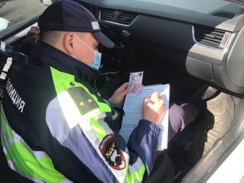 Автомобилиста арестовали за неповиновение сотрудникам ГИБДД, ещё 3 отделались штрафами