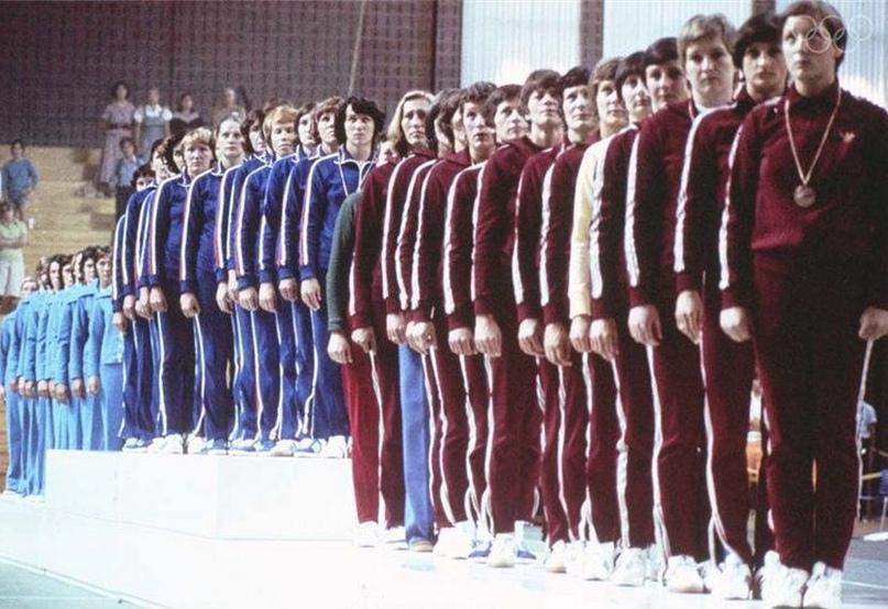 Сборная СССР на пьедестале почета Игр в Монреале-1976