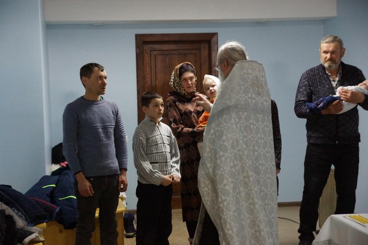 Крещение трех новых обитателей кризисного центра 21