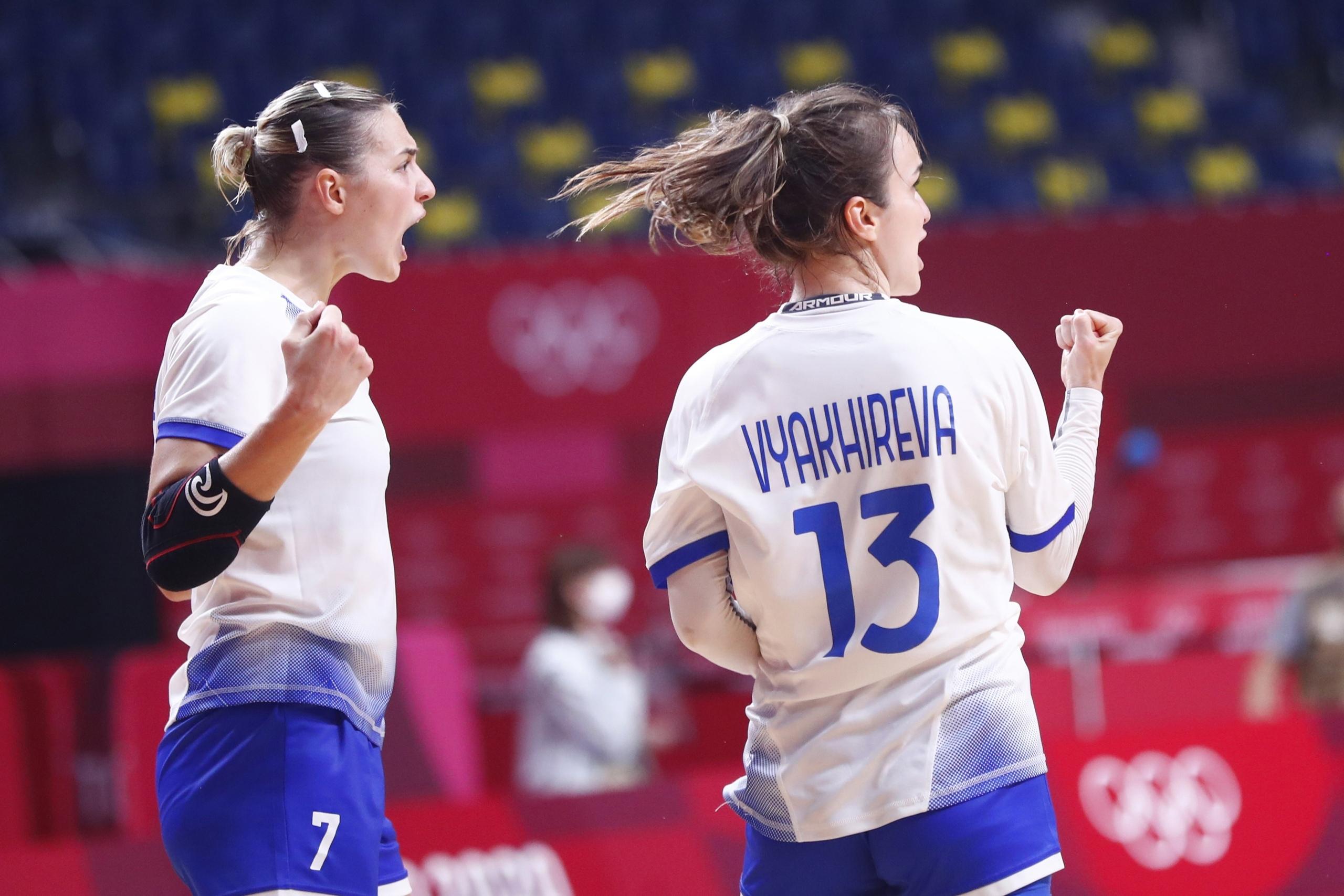 Усталость — не радость. Сколько матчей к 26 годам провели Анна Вяхирева и Дарья Дмитриева?, изображение №1