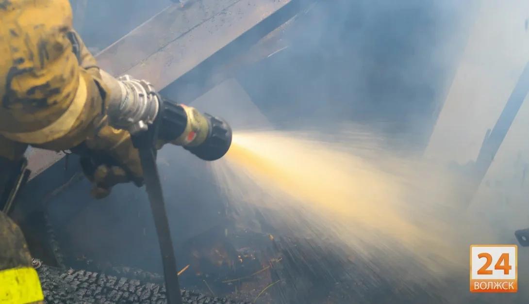 На пожаре в Волжске пострадали люди
