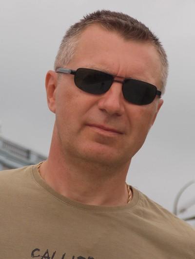 Лев Кавалев