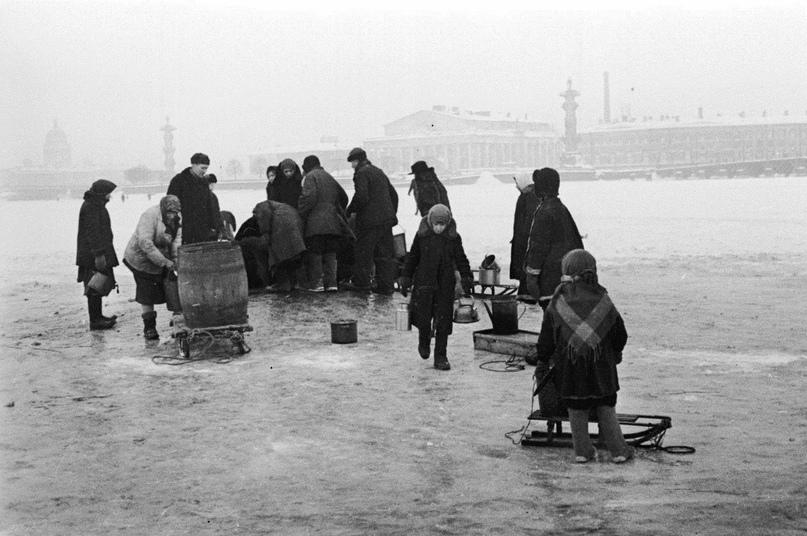 80 лет назад началась блокада Ленинграда. К этой дате приурочен всероссийский онлайн-кинопоказ📽