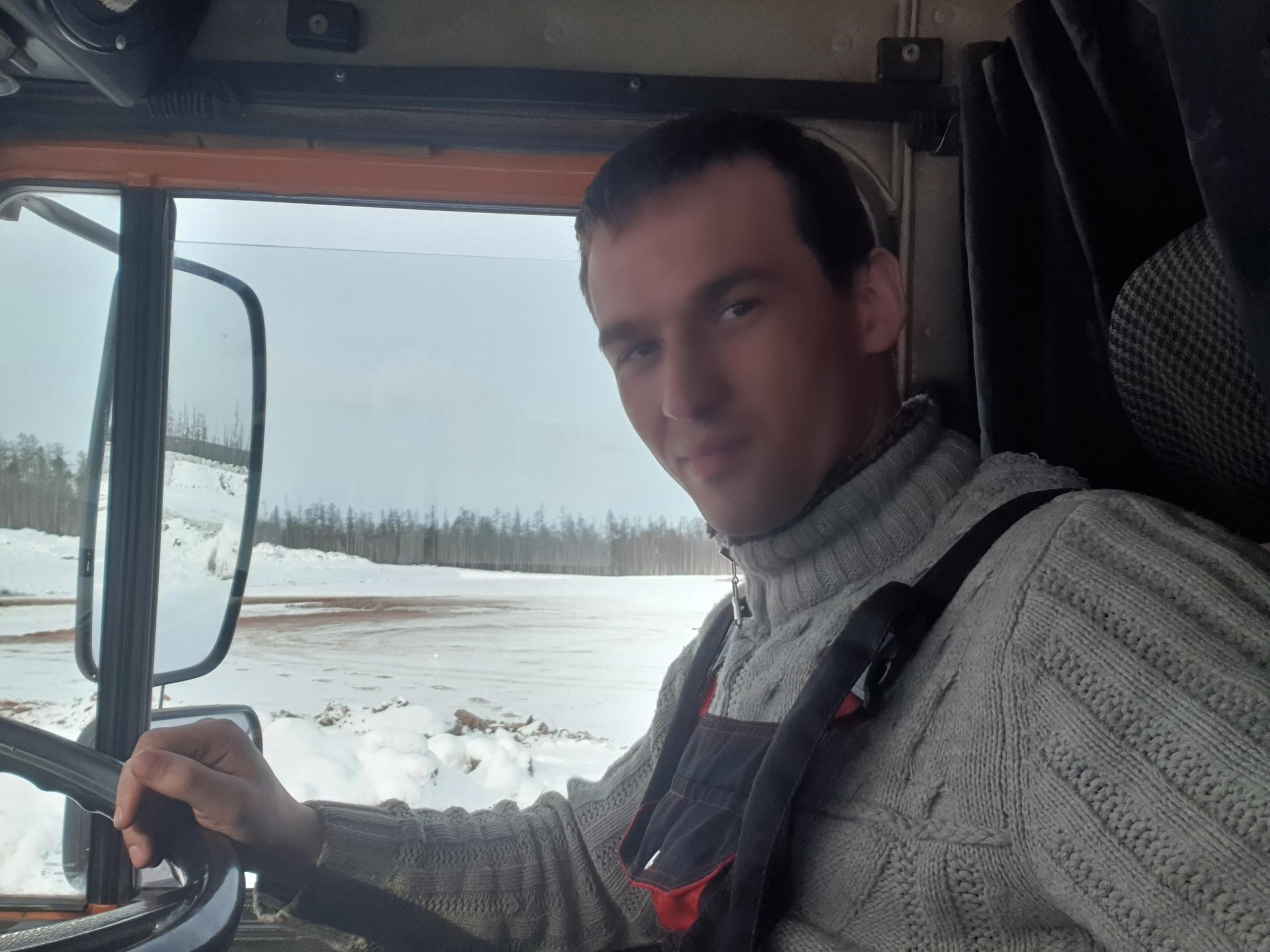 Иван, 24, Zakamensk