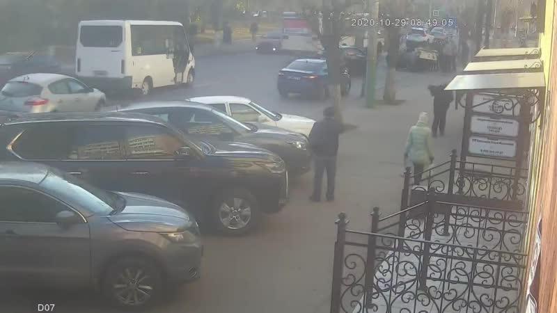 Жесткая Авария Рено перевернулась после выезда на встречку Пенза улица Калинина