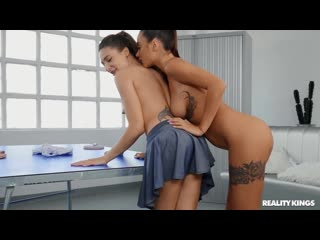 Phaze Porno - Talia Mint  Liya Silver [Lesbian]