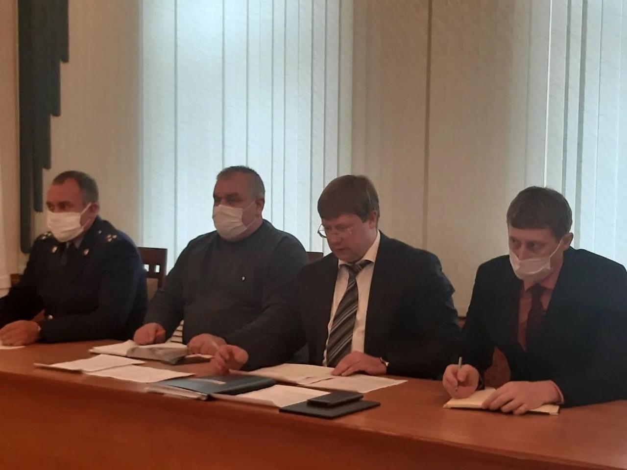 В администрации Петровского района состоялось очередное заседание оперативного штаба по предотвращению распространения коронавирусной инфекции