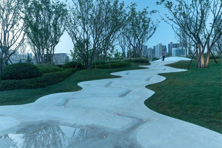 Vanke Boulevard in Zhengzhou  / A