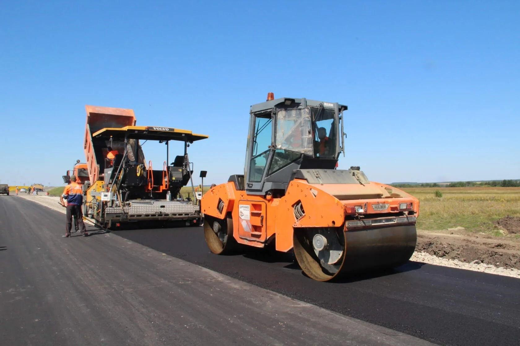 Районы получат дополнительный миллиард рублей на ремонт и содержание дорог. Об этом сообщил председатель Саратовской областной Думы Александр Романов