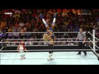 Natalya w Eva Marie vs Naomi w Cameron