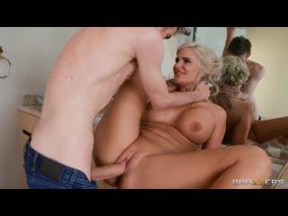 [Brazzers] Phoenix Marie, Richelle Ryan, Julia Ann, Abella Danger [группов gangbang Porn жмж threesome ебут Секс порн девочк ass